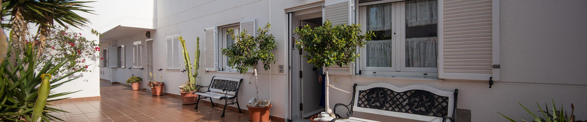 A1400: 3 Bedroom Apartment for Sale