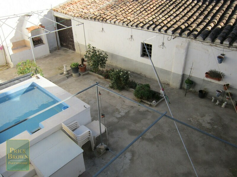 AF476: Townhouse for Sale in Caniles, Granada