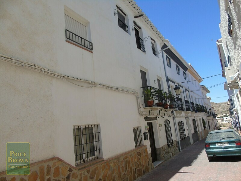 Townhouse in Albanchez, Almería