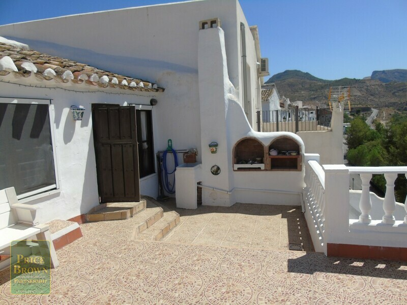 AF485: Townhouse for Sale in Albanchez, Almería