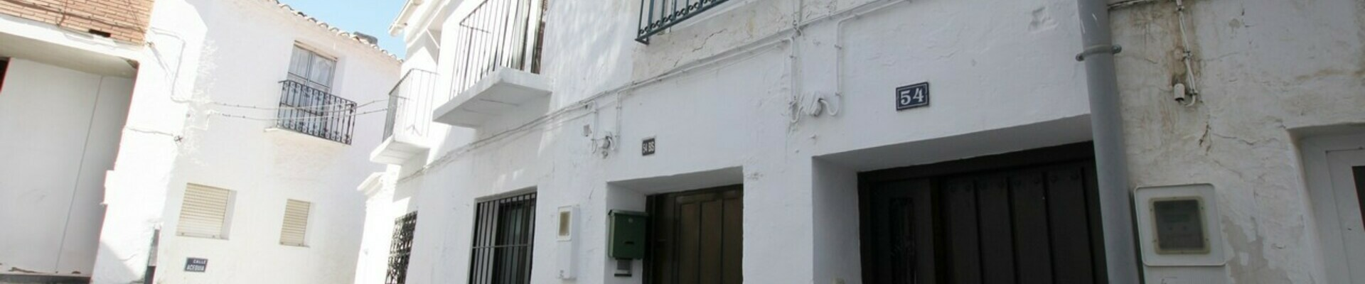 AF496: 2 Bedroom Townhouse for Sale