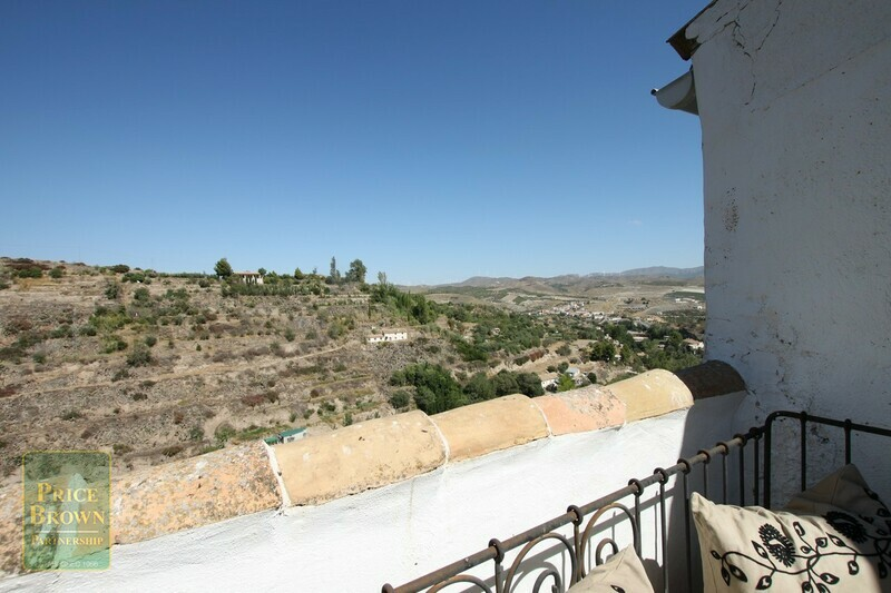 AF496: Townhouse for Sale in Seron, Almería