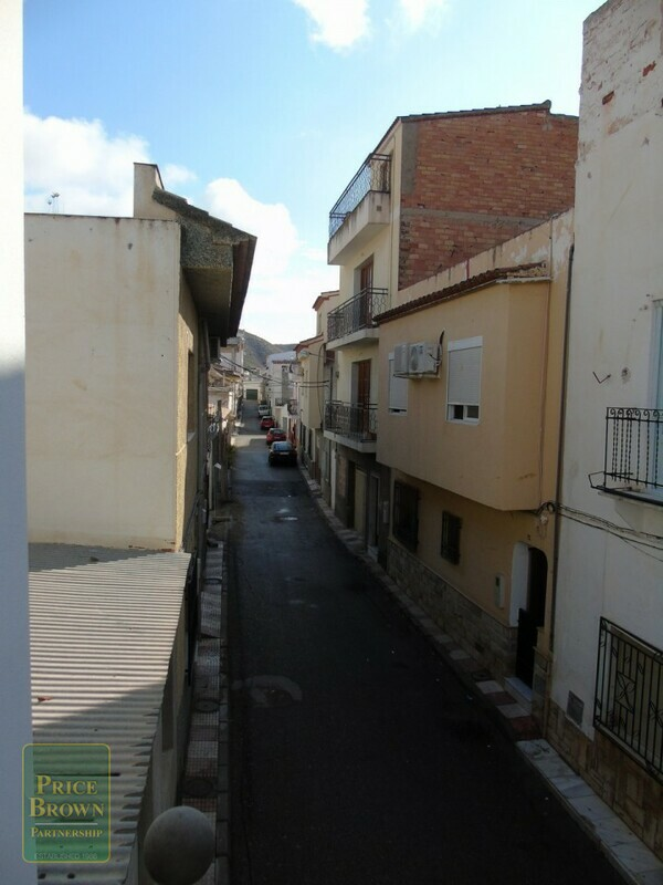 AF499: Townhouse for Sale in Cantoria, Almería