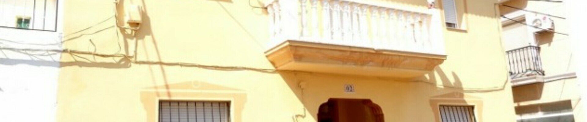 AF518: 4 Bedroom Townhouse for Sale