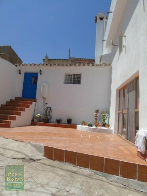 AF526: Cortijo for Sale in Oria, Almería