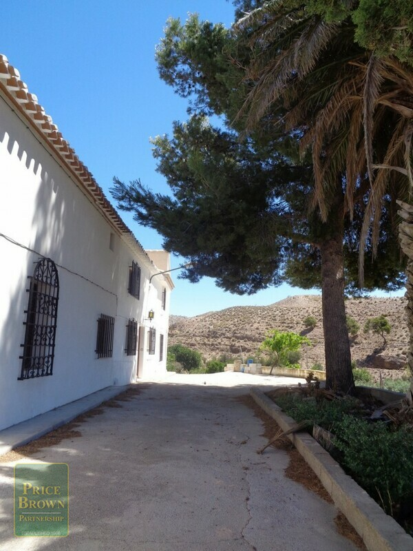 AF542: Cortijo for Sale in Oria, Almería