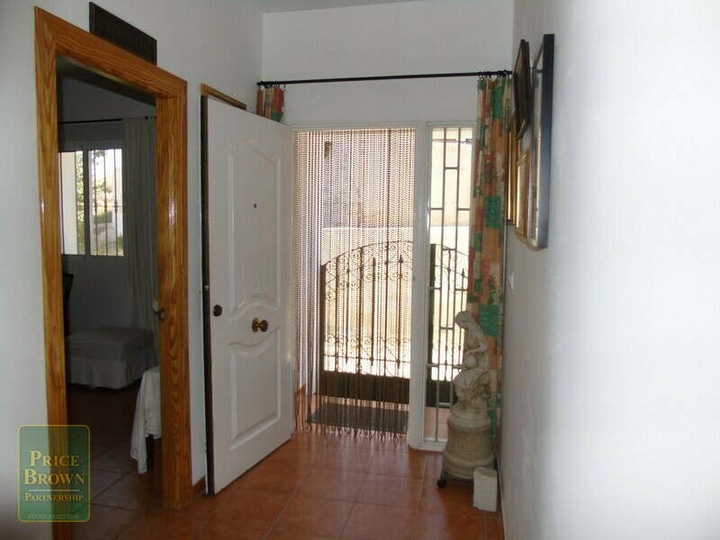 AF553: Townhouse for Sale in Caniles, Granada