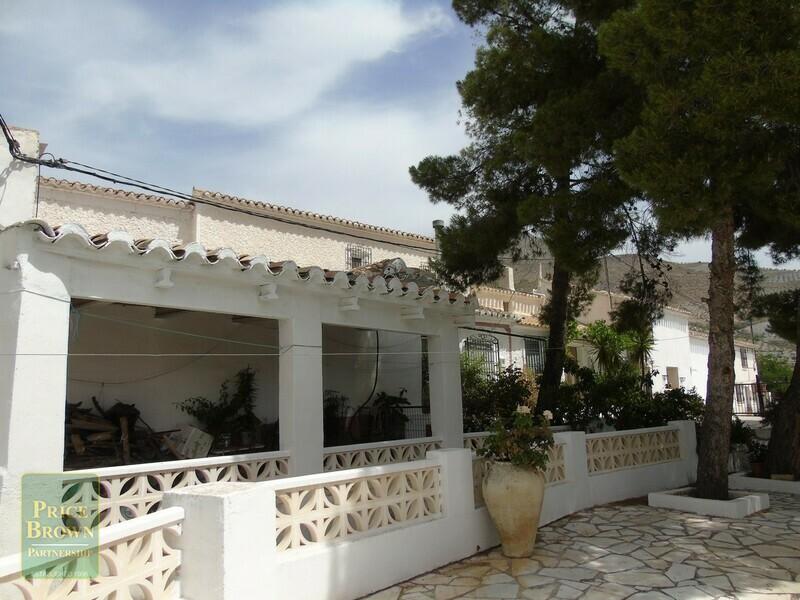 AF557: Cortijo for Sale in Saliente Alto, Almería
