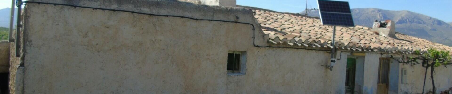 AF560: 2 Bedroom Cortijo for Sale