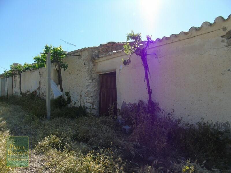 AF560: Cortijo for Sale in Chirivel, Almería