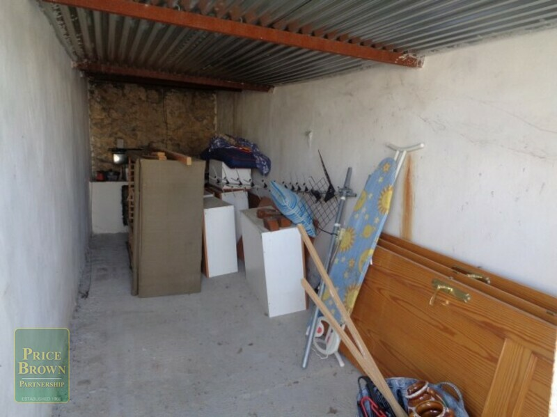AF599: Cortijo for Sale in Oria, Almería
