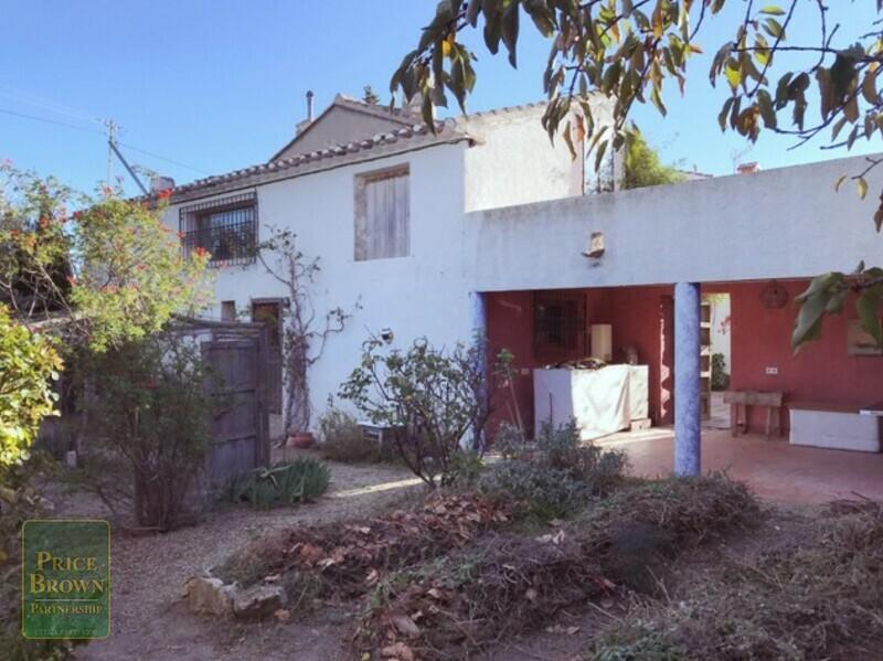 AF600: Cortijo for Sale in Saliente Alto, Almería