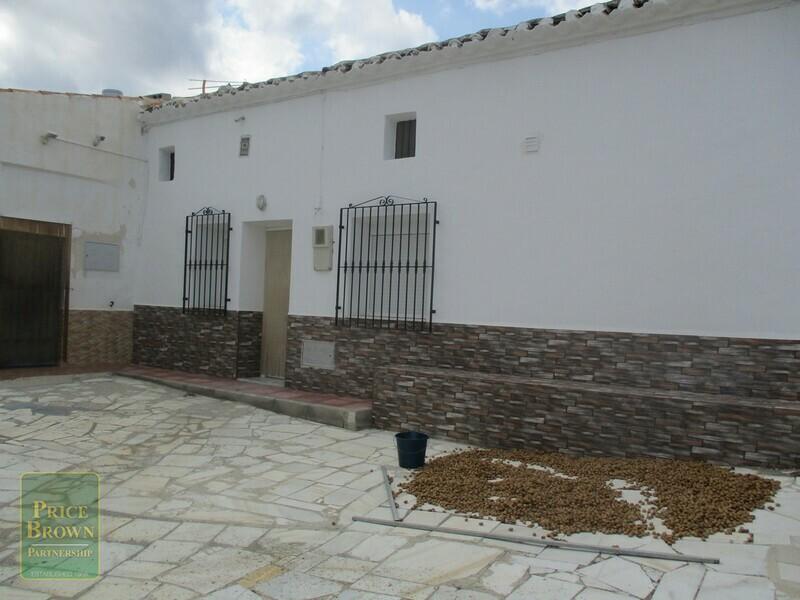 AF617: Cortijo for Sale in Velez-Rubio, Almería