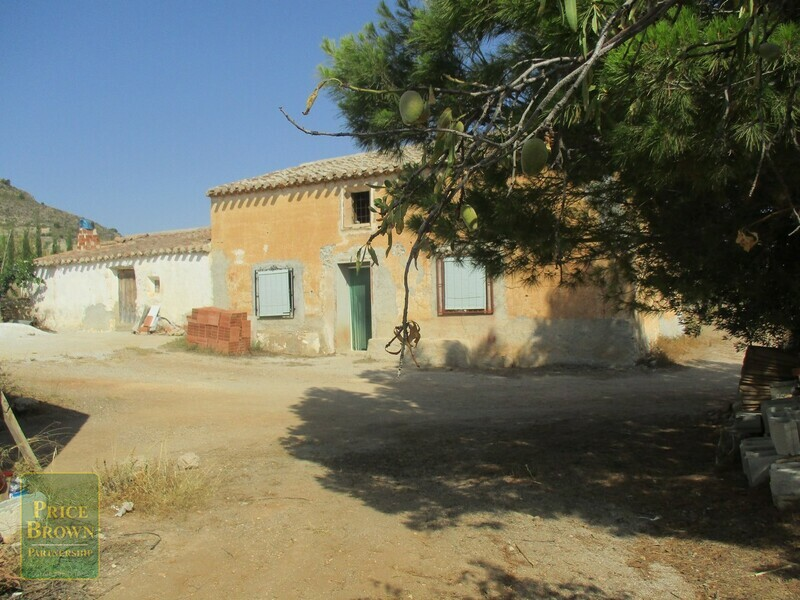 AF622: Cortijo for Sale in Oria, Almería