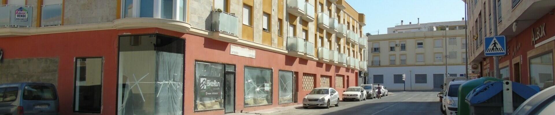 AF632: Commercial Property for Sale