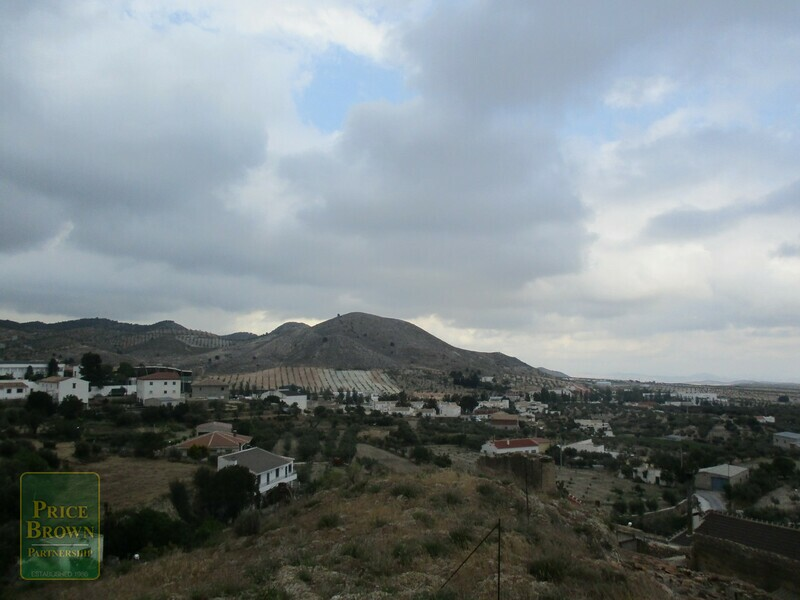 AF639: Townhouse for Sale in Oria, Almería