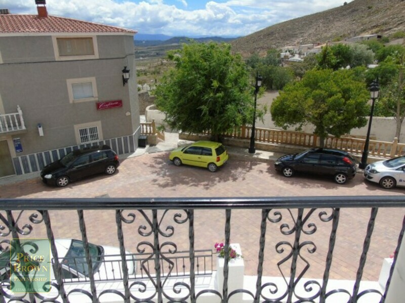 AF641: Townhouse for Sale in Oria, Almería