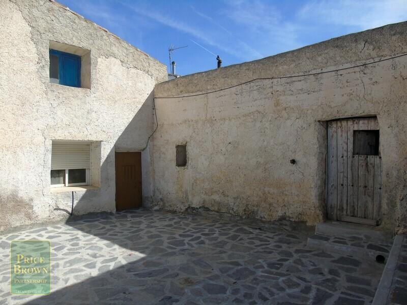 AF655: Cortijo for Sale in Oria, Almería