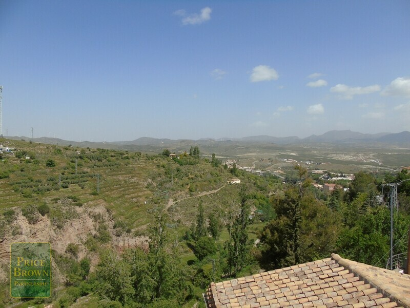 AF682: Townhouse for Sale in Seron, Almería