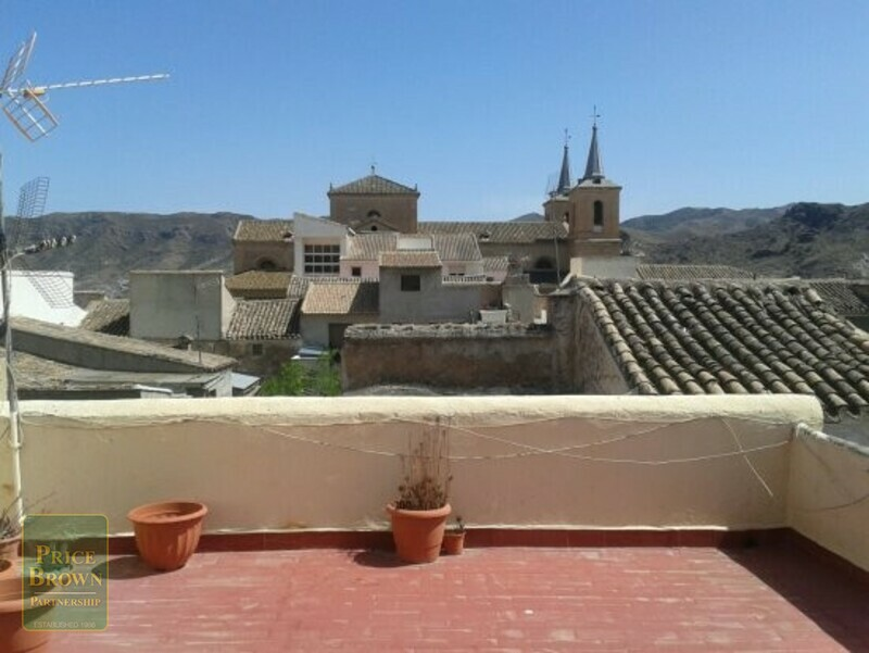 AF702: Townhouse for Sale in Cantoria, Almería
