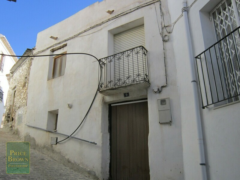 AF721: Townhouse for Sale in Seron, Almería
