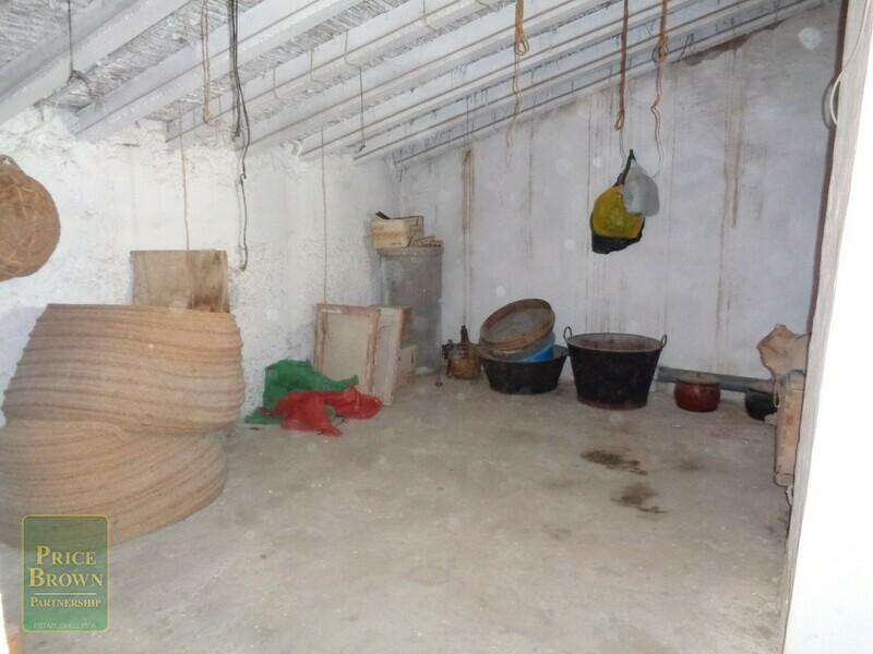 AF731: Cortijo for Sale in Oria, Almería