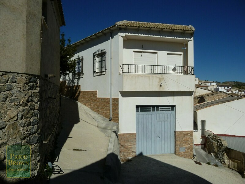 AF748: Townhouse for Sale in Lucar, Almería