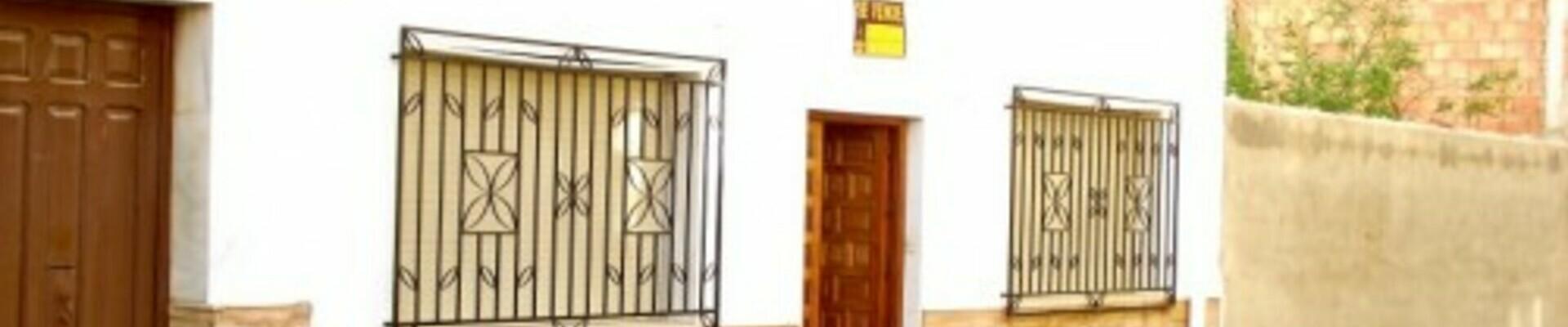 AF760: 3 Bedroom Townhouse for Sale
