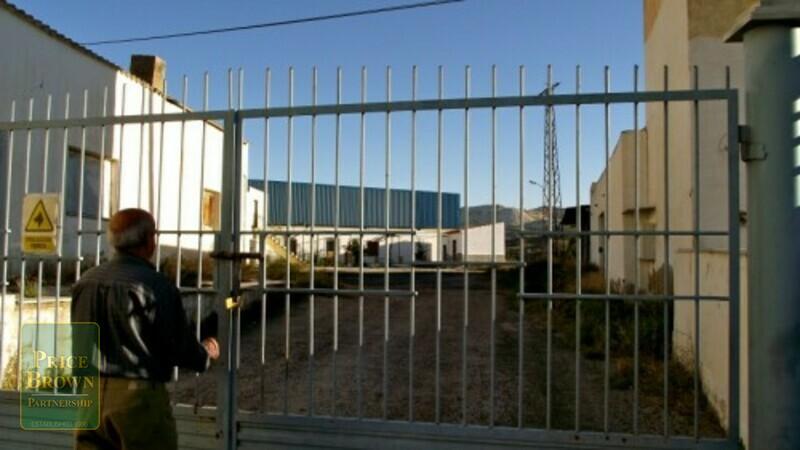 AF762: Commercial Property for Sale in Olula Del Rio, Almería