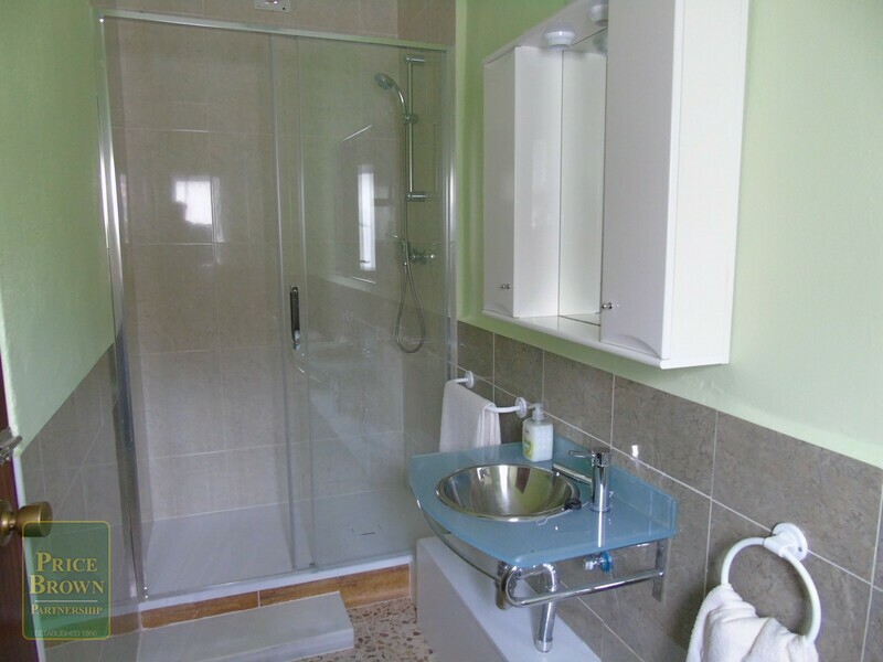 AF869: Townhouse for Sale in Fines, Almería