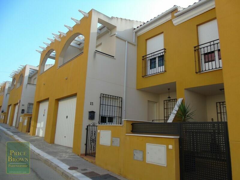 Townhouse in Fines, Almería
