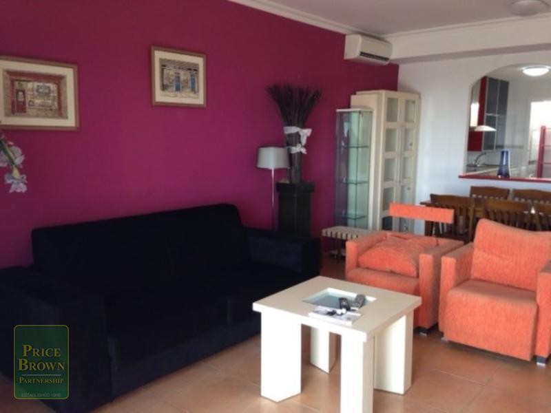 BH: Townhouse for Rent in Mojácar, Almería