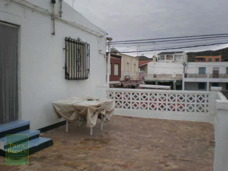 C649: Commercial Property for Sale in Villaricos, Almería