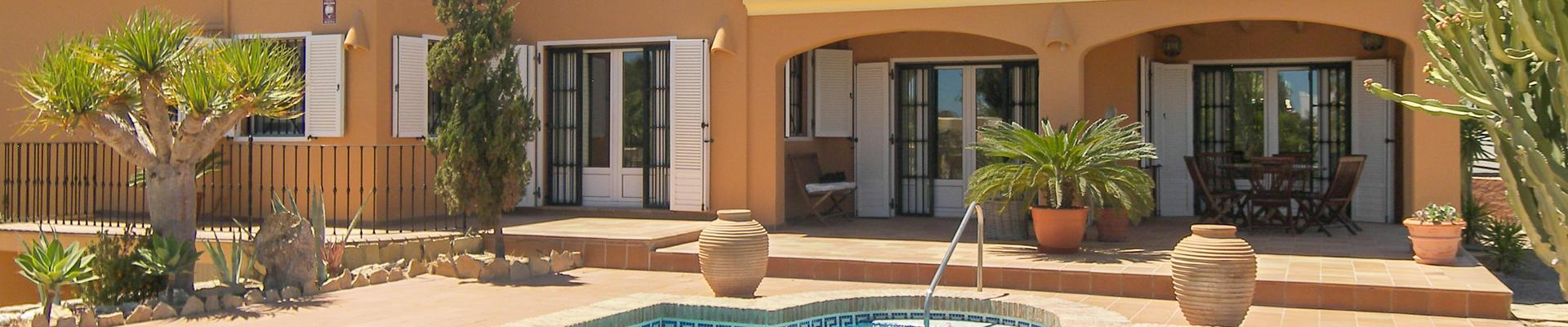 DV1313: 5 Bedroom Villa for Sale