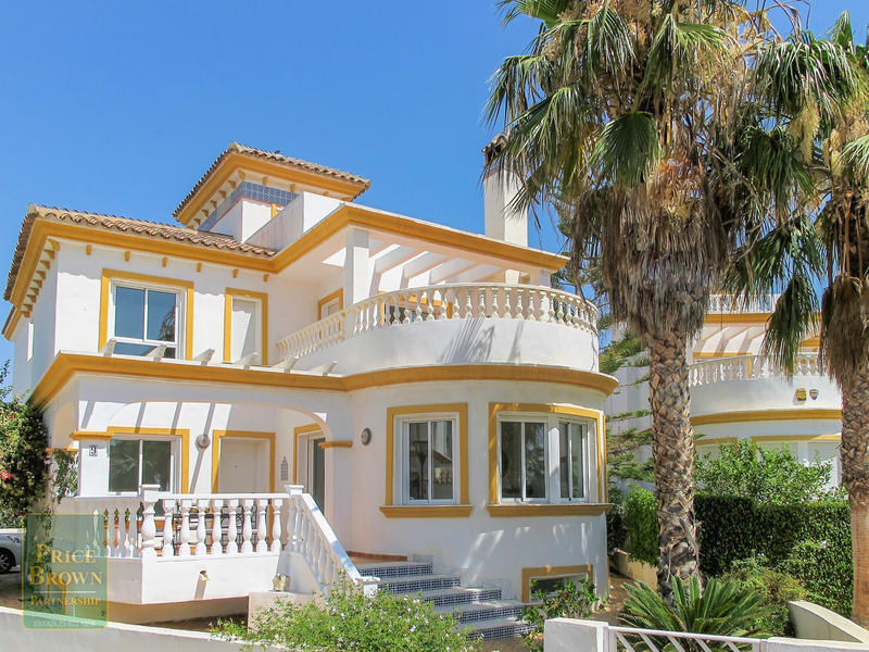 Villa in Playa Marques, Almería