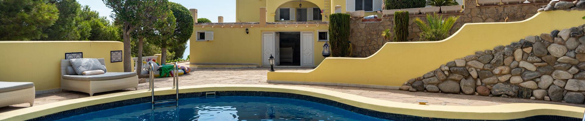 DV1429: 5 Bedroom Villa for Sale