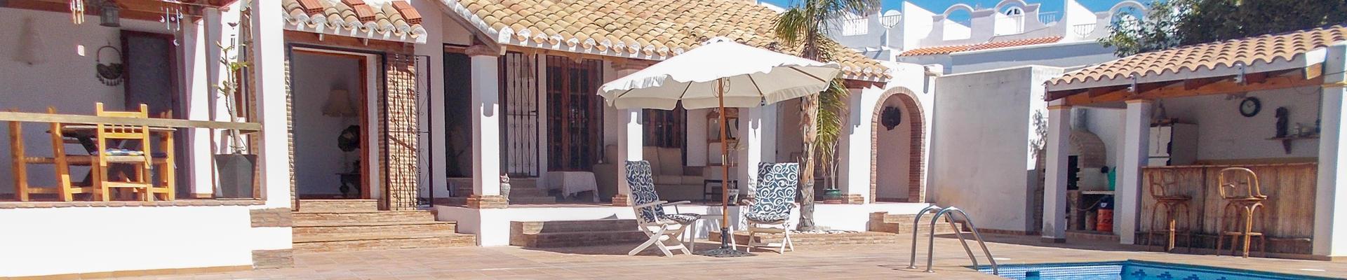 DV1460: 6 Bedroom Villa for Sale