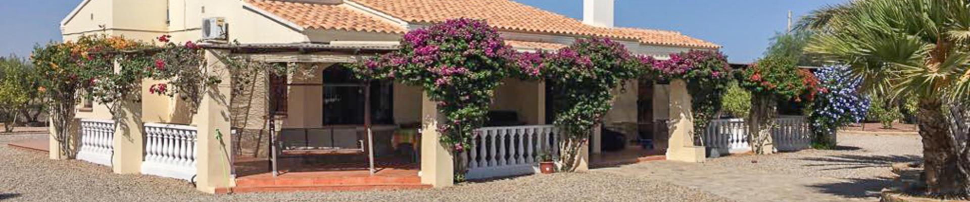 DV1471: 7 Bedroom Villa for Sale