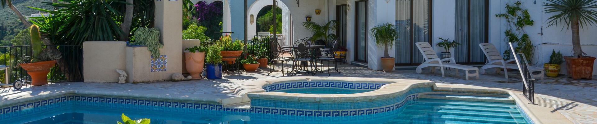 DV1481: 4 Habitación Chalet en venta