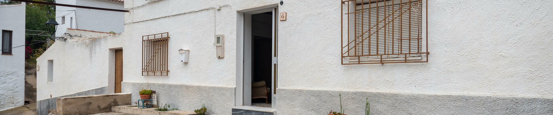 DV1517: 6 Bedroom Cortijo for Sale