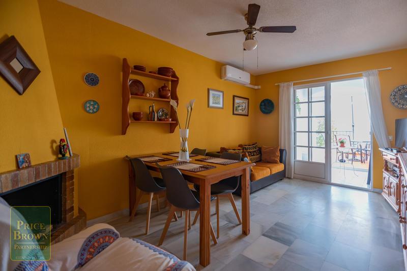 GM: Townhouse for Rent in Mojácar, Almería