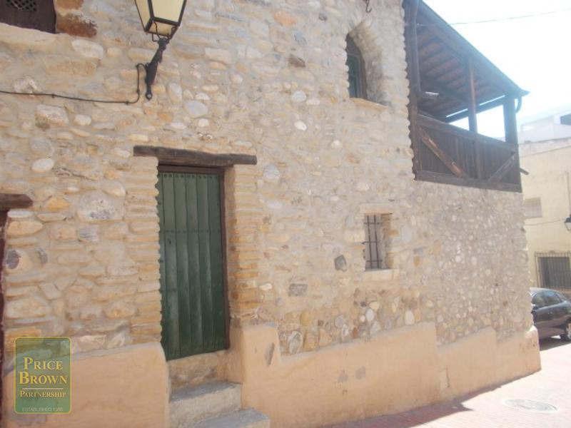 LV743: Townhouse for Sale in Turre, Almería
