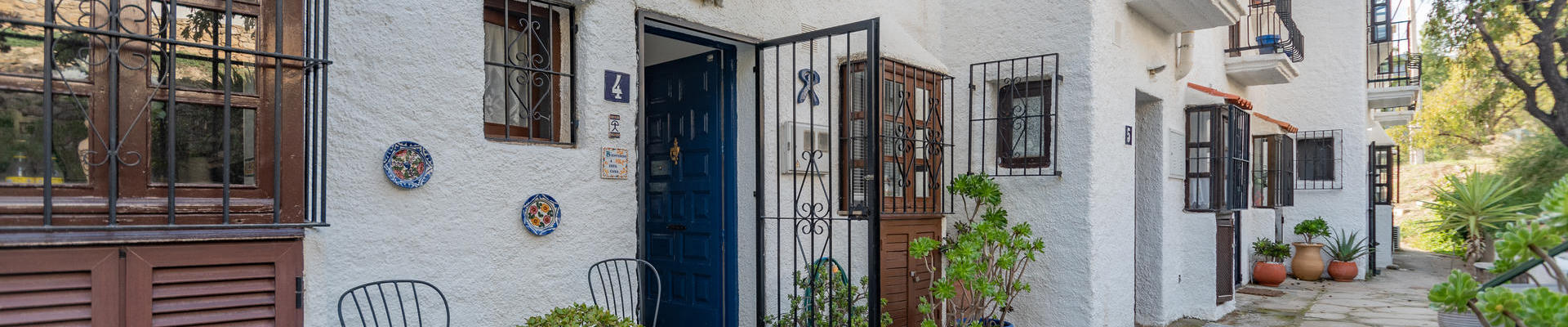 LV749: 2 Bedroom Townhouse for Sale