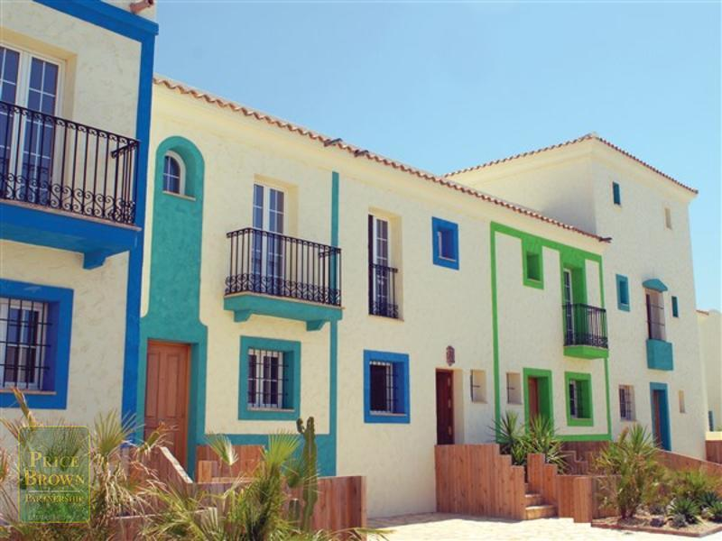 LV768: Townhouse for Sale in Playa Marques, Almería