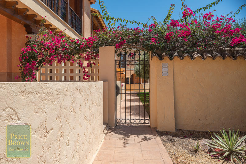 LV774: Townhouse for Sale in Desert Springs, Almería
