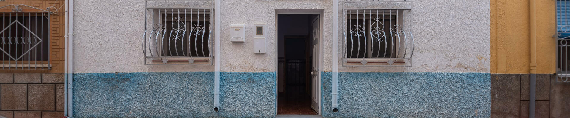 LV789: 4 Bedroom Townhouse for Sale