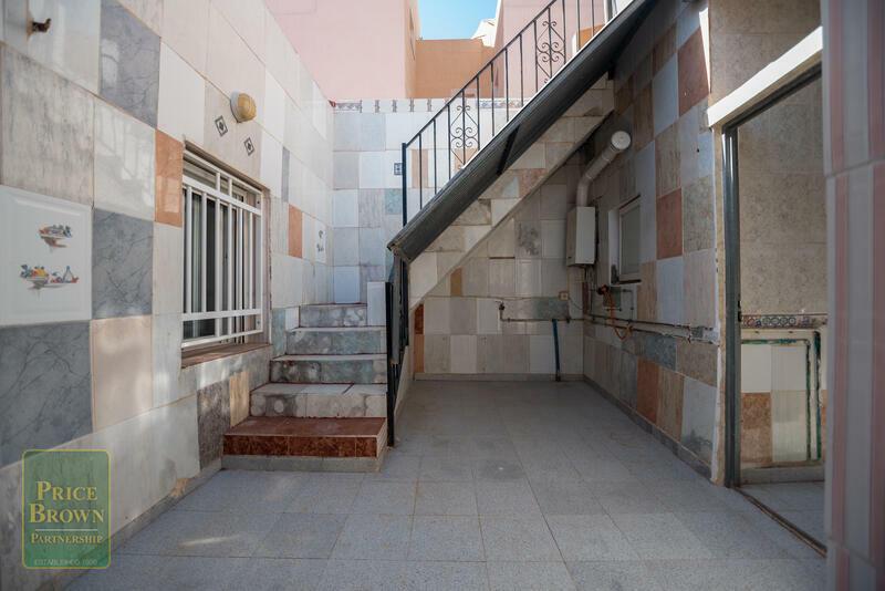 LV789: Townhouse for Sale in Garrucha, Almería