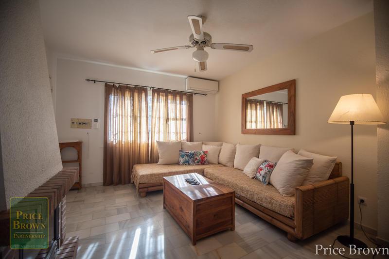 NL: Townhouse for Rent in Mojácar, Almería
