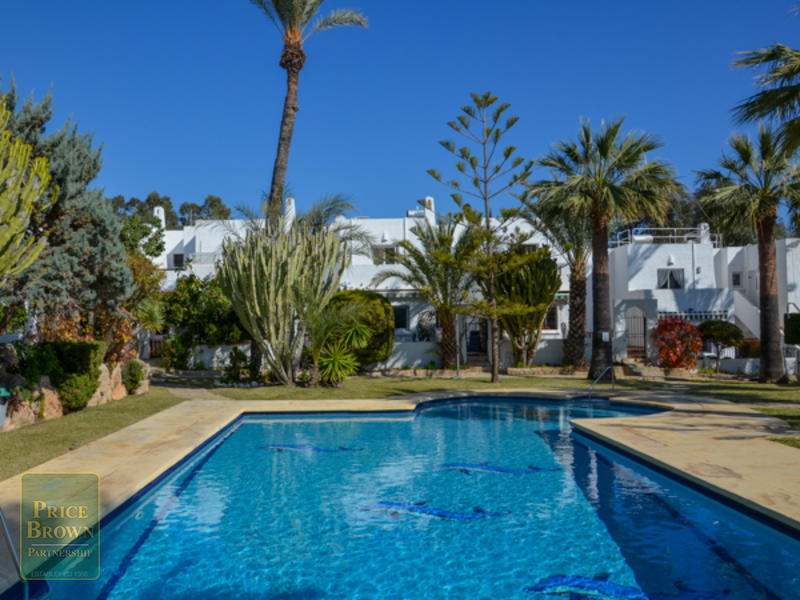 RD: Townhouse for Rent in Mojácar, Almería