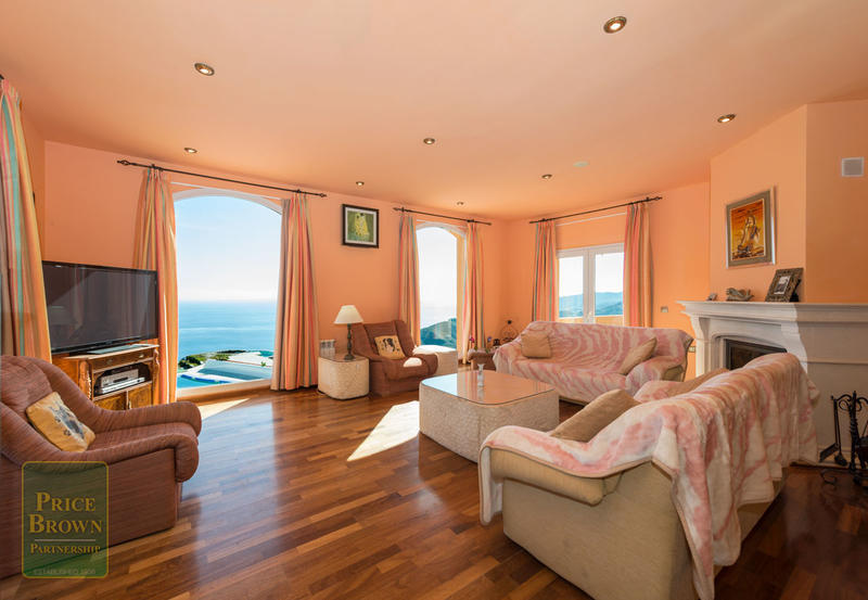 4 Bedroom Villa